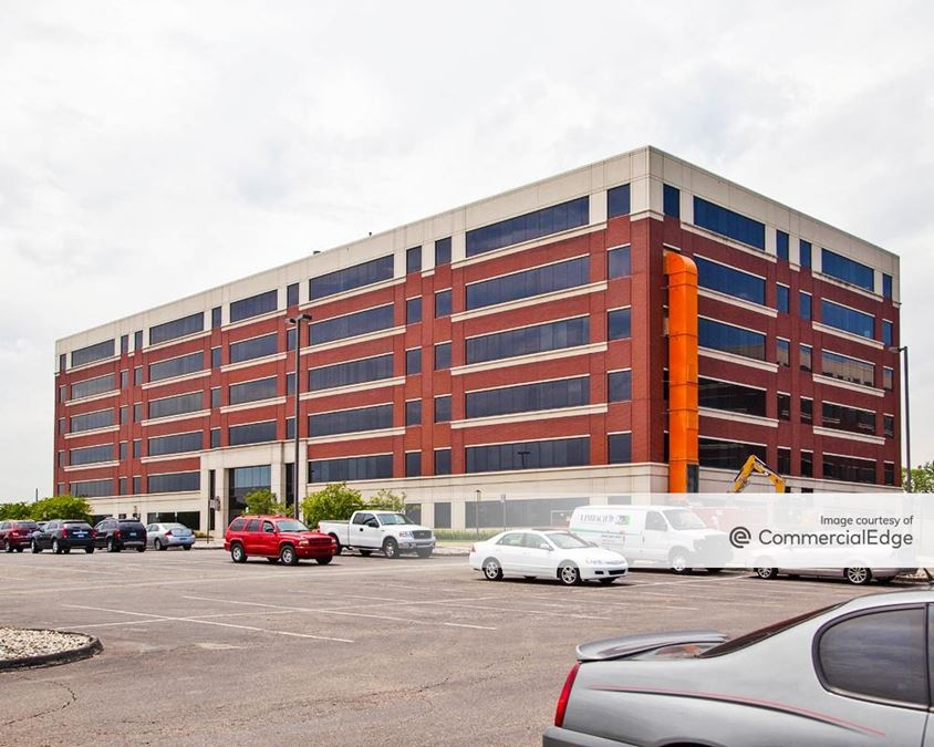 Troy Corporate Center - 840 West Long Lake Road