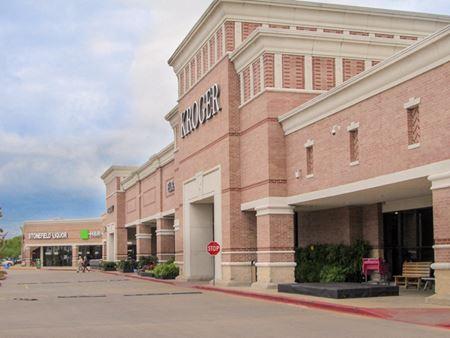 Fairmont Parkway Shopping Center - La Porte