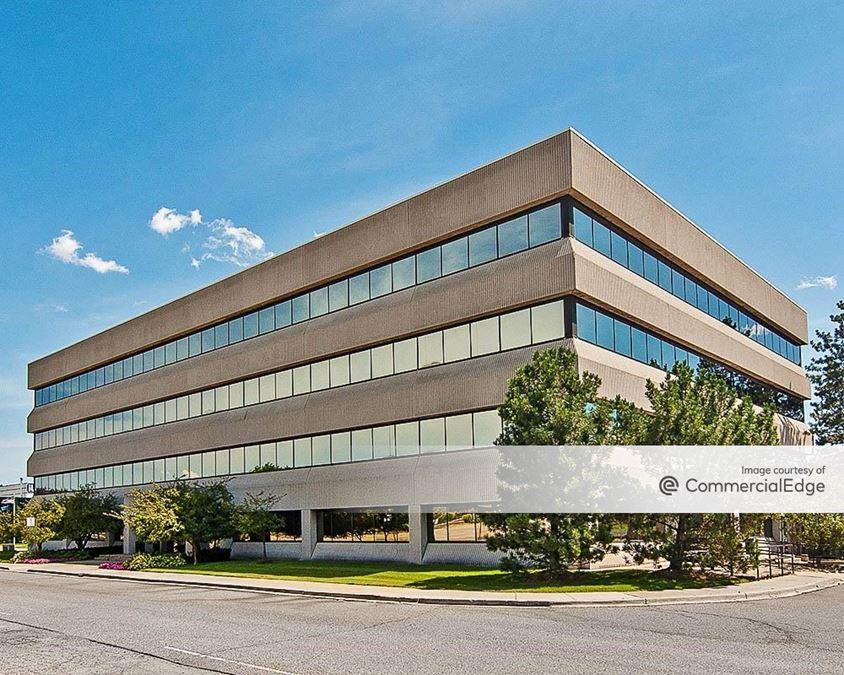 Robbins Executive Park West - 550 Stephenson Hwy