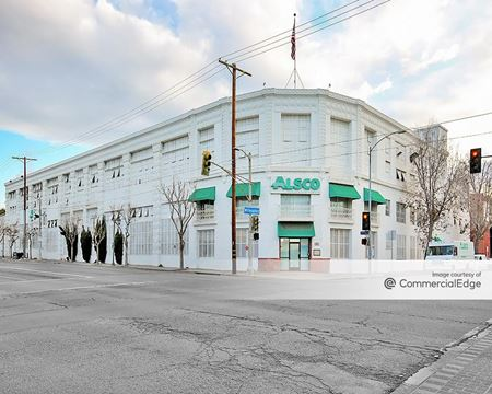 900 North Highland Avenue - Los Angeles