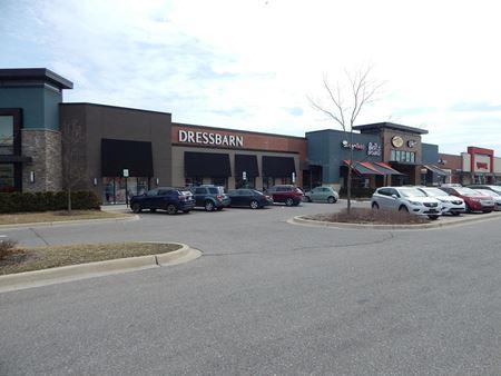 Groves Retail Center - Farmington