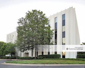 Charlotte East - 5700 & 5701 Buildings - Charlotte