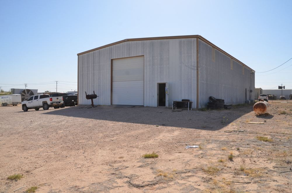 5,900 SF Industrial Building on 1.23 AC