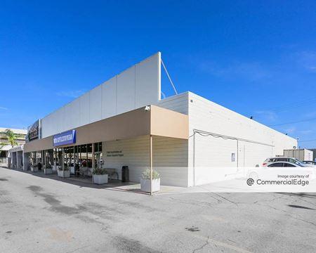 Northridge Hospital Medical Center - 18436 & 18440 Roscoe Blvd - Northridge