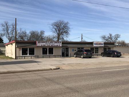 900 - 902 E. Waco Drive - Waco