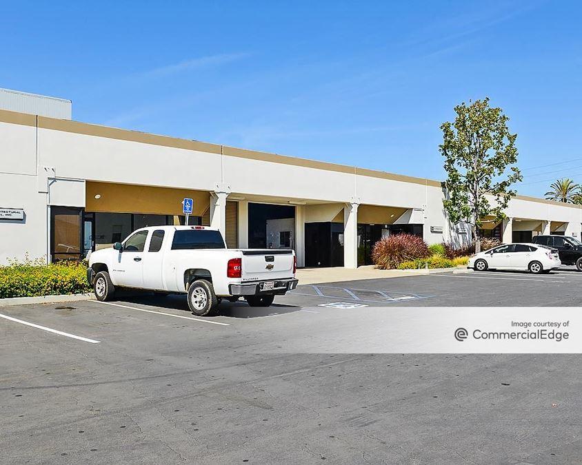 Carson Industrial Center - 17101-17121 Central Avenue