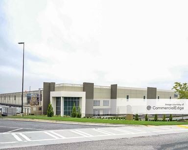 Camp Creek Business Center - 3707 North Commerce Drive