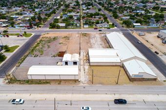 Multi-Building Facility w/ Wash-Bay & Multiple Cranes