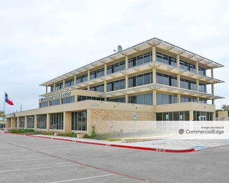 Texas Avenue Plaza - Bryan