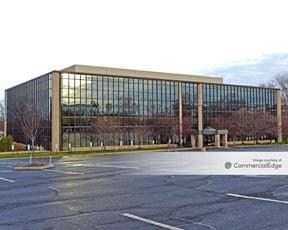 Woodbridge Corporate Plaza - Iselin