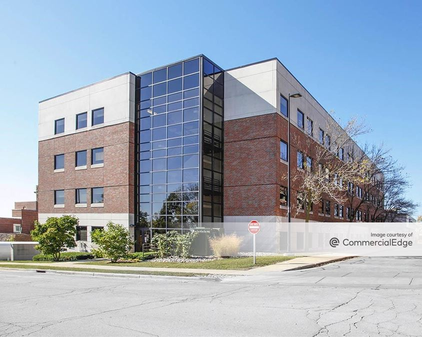 ProHealth Waukesha Memorial Hospital - Professional Office Building