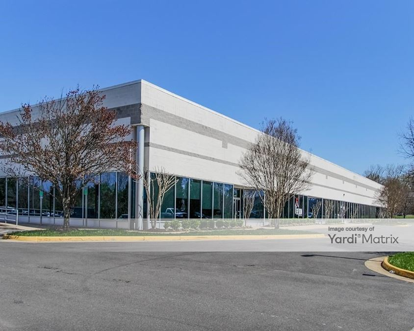 Airport Commerce Center