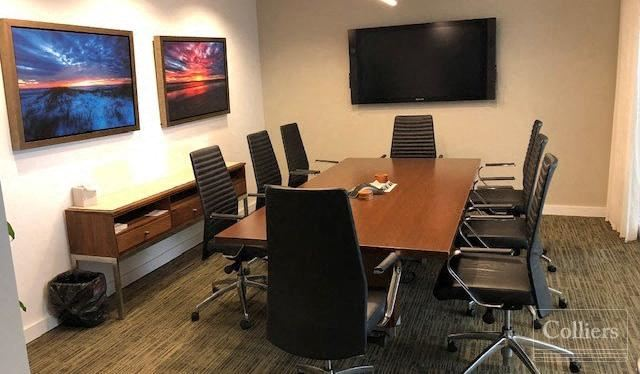 Modern Sublease in Boutique Back Bay Building