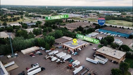8284 W 35W Service Dr - Minneapolis