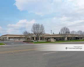 7576 North Ingram Avenue - Fresno