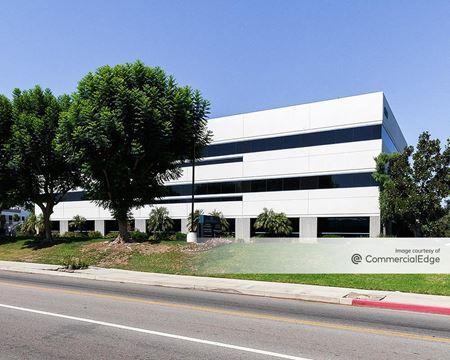 Oakdale Corporate Center - Chatsworth