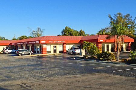 15560 McGregor Blvd - Fort Myers