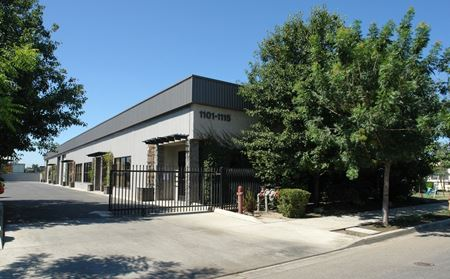 Turn Key Office/Warehouse/Showroom/Yard Spaces In Central Visalia - Visalia
