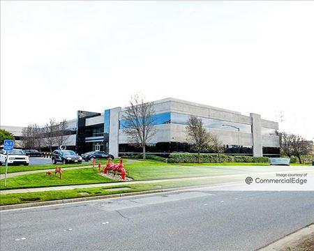 The Gateway Technology Center - 600 Gateway Blvd - South San Francisco