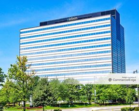Woodfield Corporate Center - 150 North Martingale Road