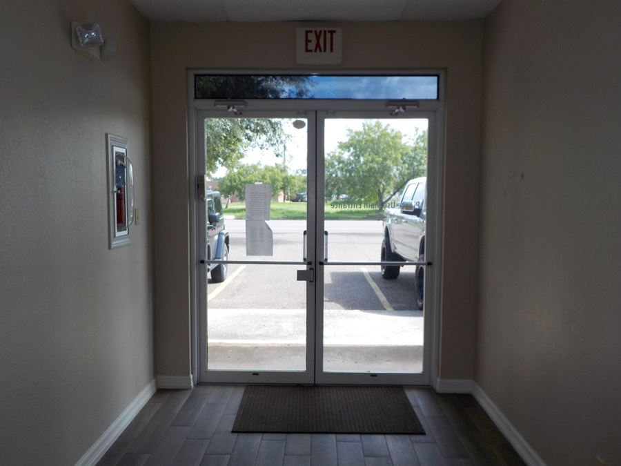 418 E Tyler Office Bldg