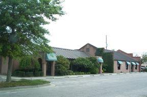 Davis Plaza