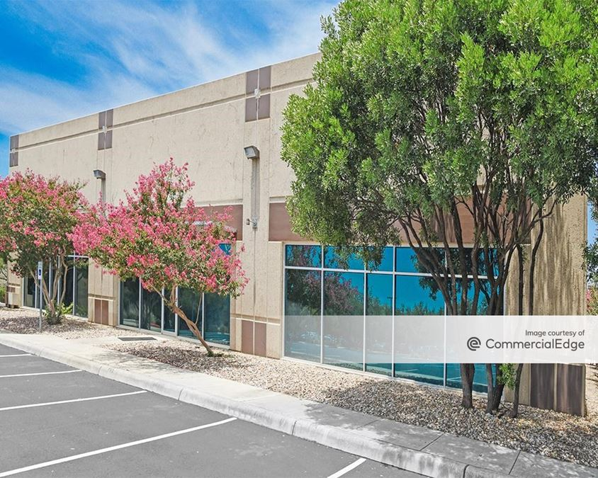 University Park Business Center - 5700 Northwest Pkwy