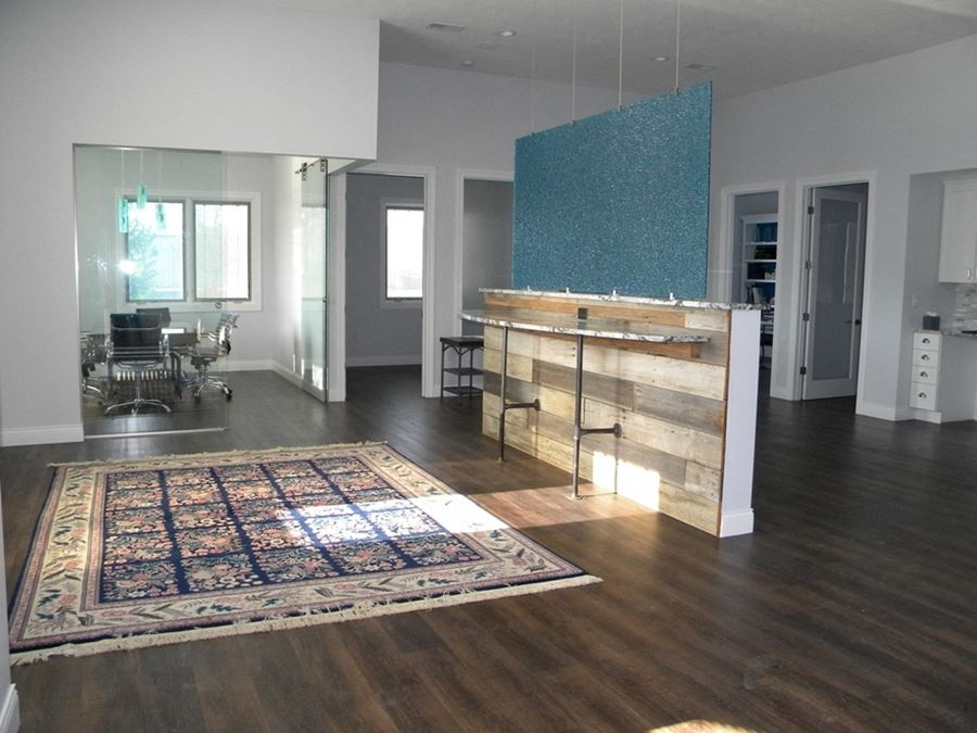 Modern & Chic Office for Lease