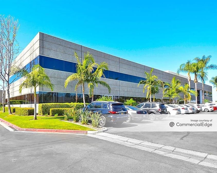 Founders Business Park - 1240 & 1250 North Lakeview Avenue