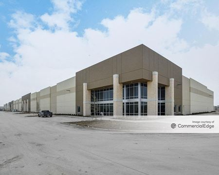 Everman Trade Center - Building C - Fort Worth