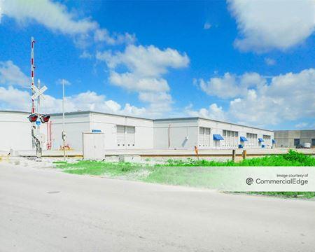 Medley Industrial Center - Medley