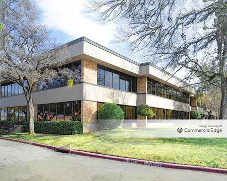 1010 West Mockingbird Lane - Dallas