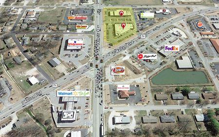 Crossroads Plaza - Bentonville