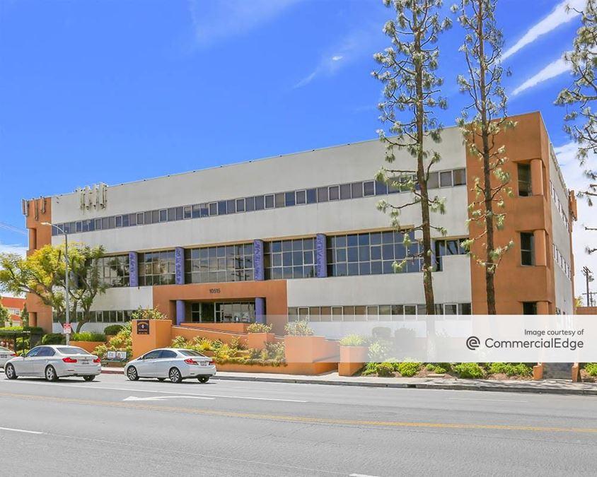Doctors Medical Plaza