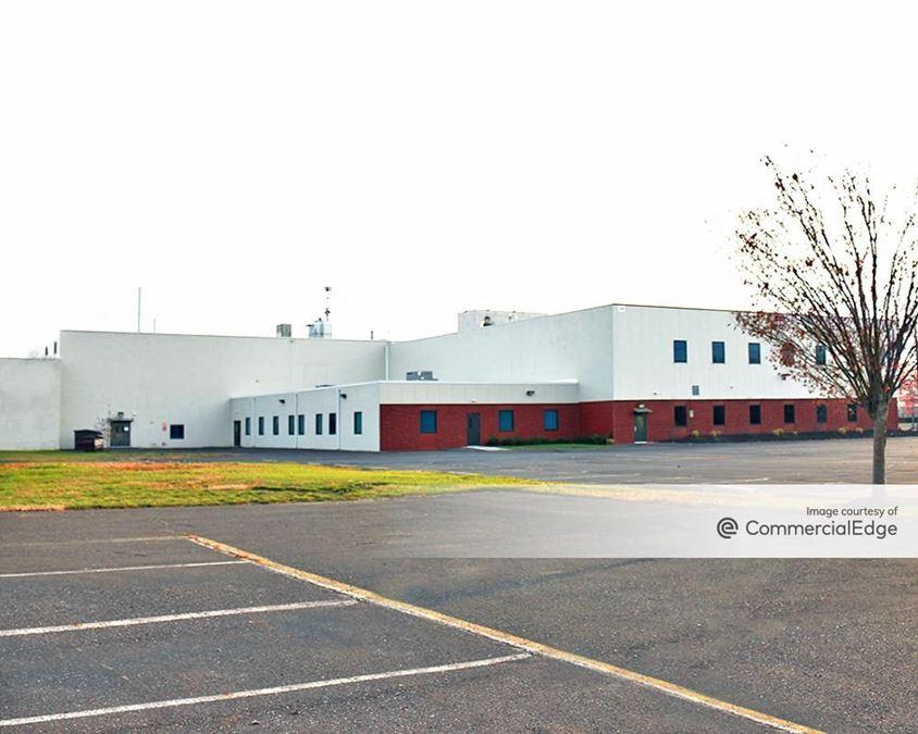 Bridge Business Center - Buildings 310, 360 & 370