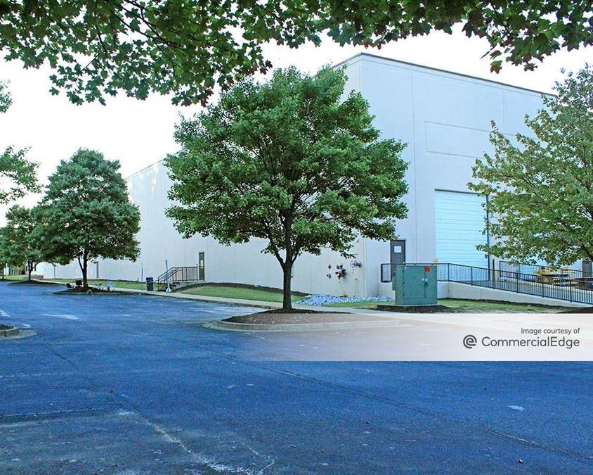 Southpark - 5395 Oakley Industrial Blvd