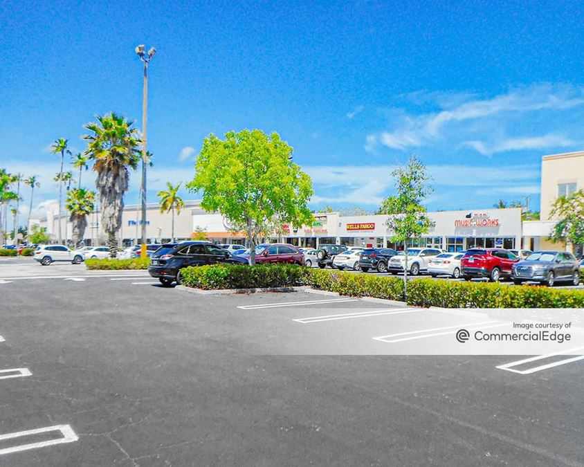 Pinecrest Plaza