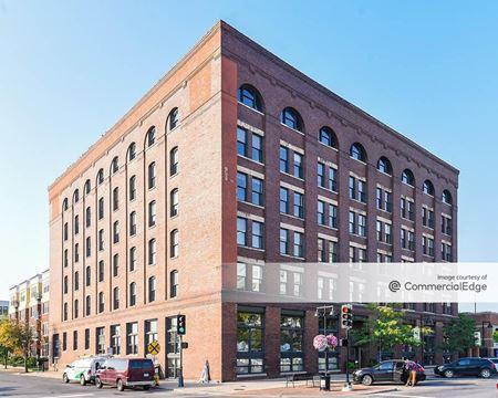 100 Court Office Building - Des Moines