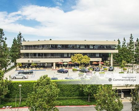 The Plaza - 4320, 4330 & 4380 La Jolla Village Drive - San Diego