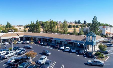 Retail spaces available - The Crossings Shopping Center - Antioch