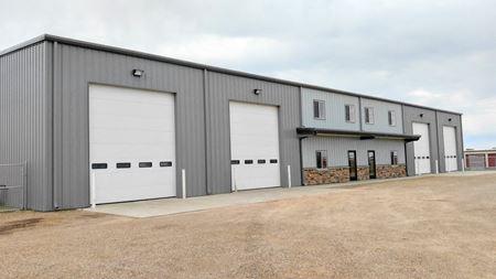 ±6,000 SF Shop & Office & Fenced Yard - Williston