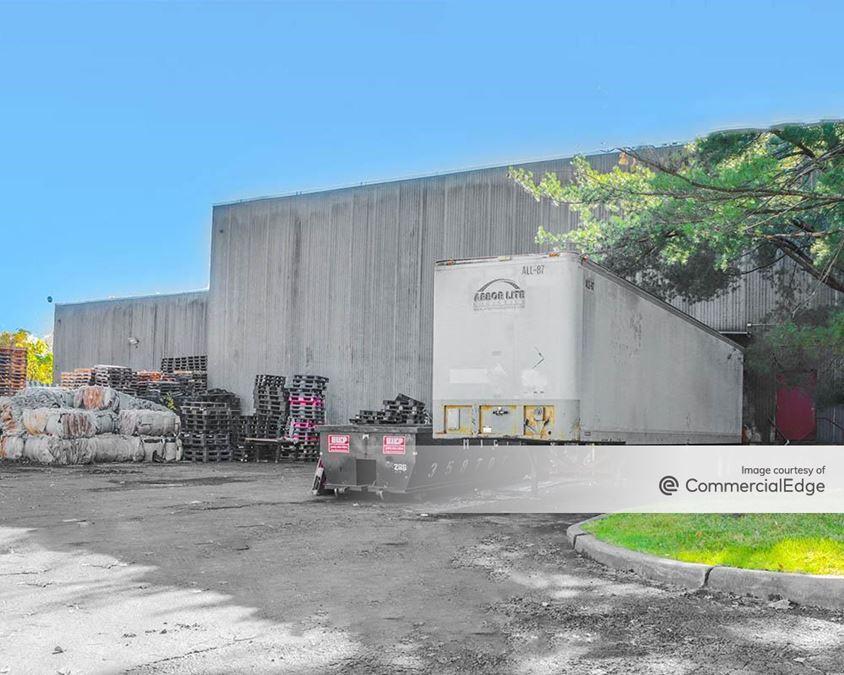 Bradley Corporate Park - 800 & 900 Bradley Hill Road