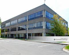 Sun Life Financial Corporate Headquarters - Wellesley Hills