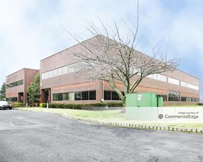 Holmdel Executive Center - Holmdel