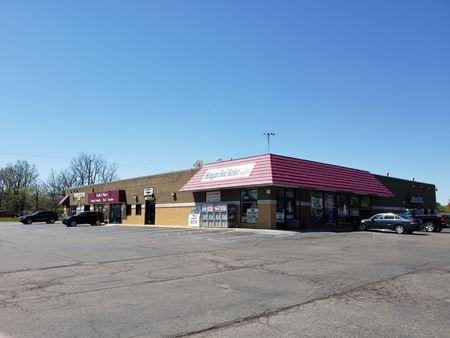 Van Slyke Plaza - Flint Township