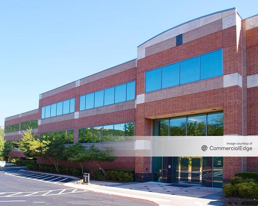 Lakewood Center I & II