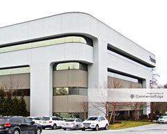 280 Corporate Center - 7 Becker Farm Road - Roseland