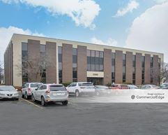 Foxfield Square Executive Center - St. Charles