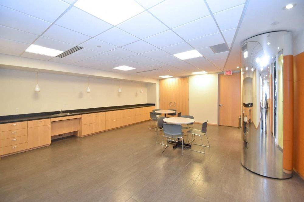 Galleria Officentre - 400 Galleria