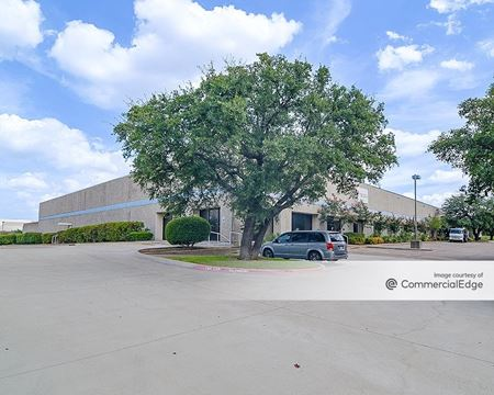 6425 Campus Circle Drive West - Irving